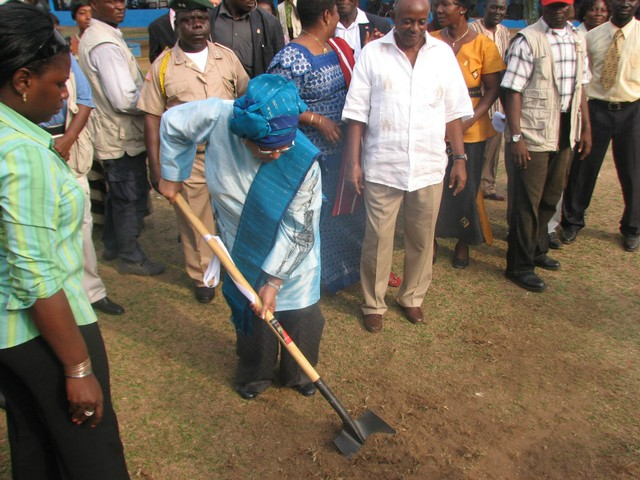 President Sirleaf at Groundbreaking.