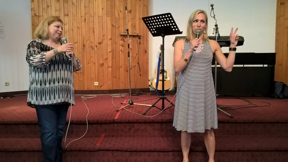 Tara shares her testimony in Novi Sad
