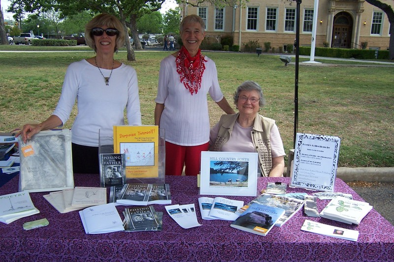 Mary Lee Gowland, Jane Cocke Perdue and Sue Dyke at the Hill Country Poets table. It was a lovely, sunny day, no rain.