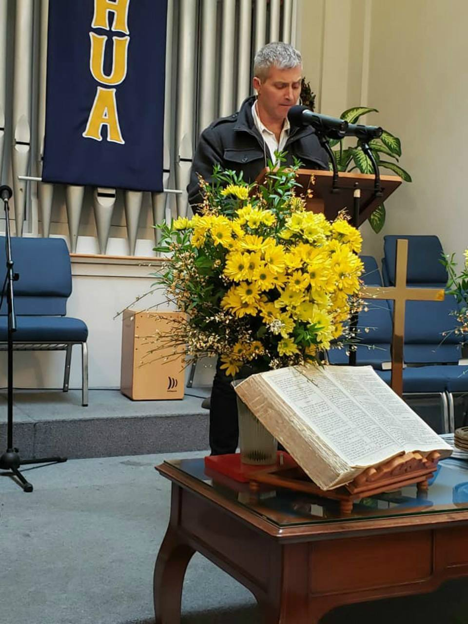 Rob preaching at Rome Baptist
