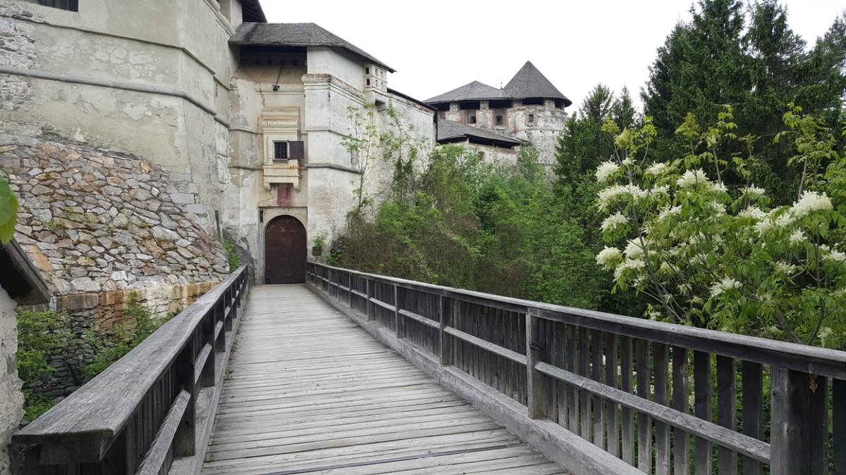 Rodeneck Castle