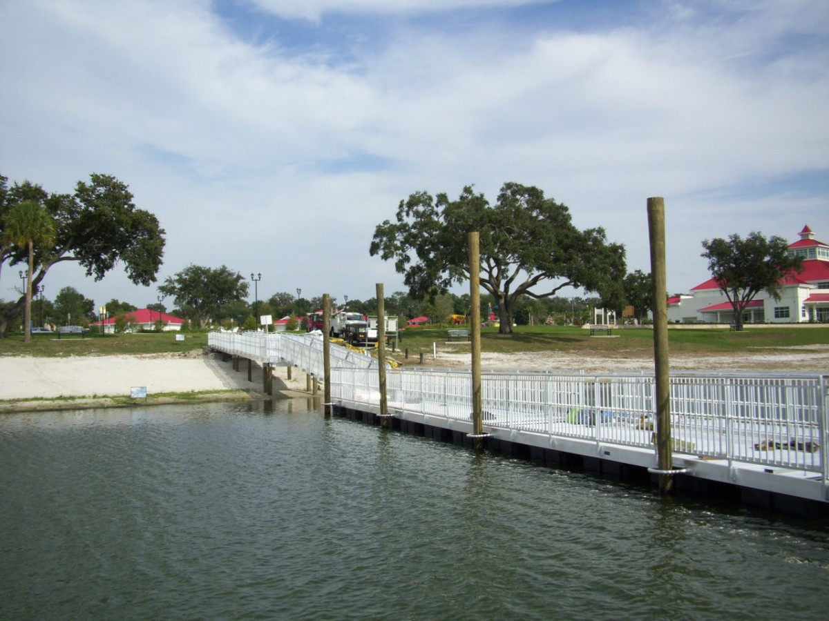 Aluminum Floating Docks and Gangways