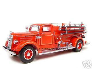 1938 Mack Type 75 Fire Engine