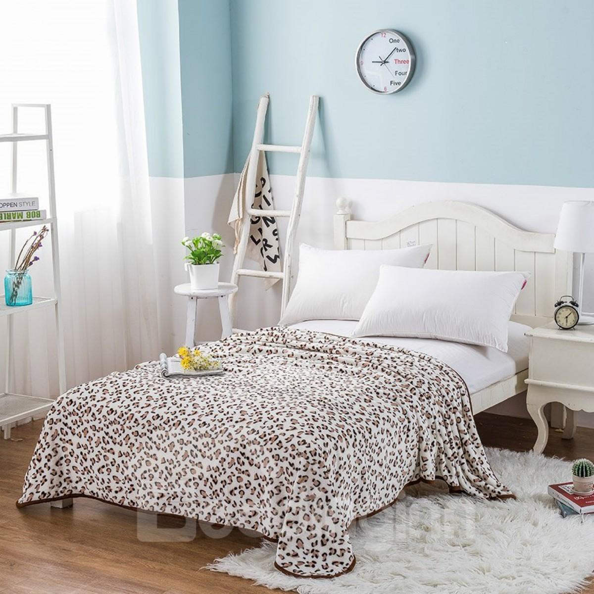 Leopard Spot Pattern Printing Soft Flannel Bed Blanket
