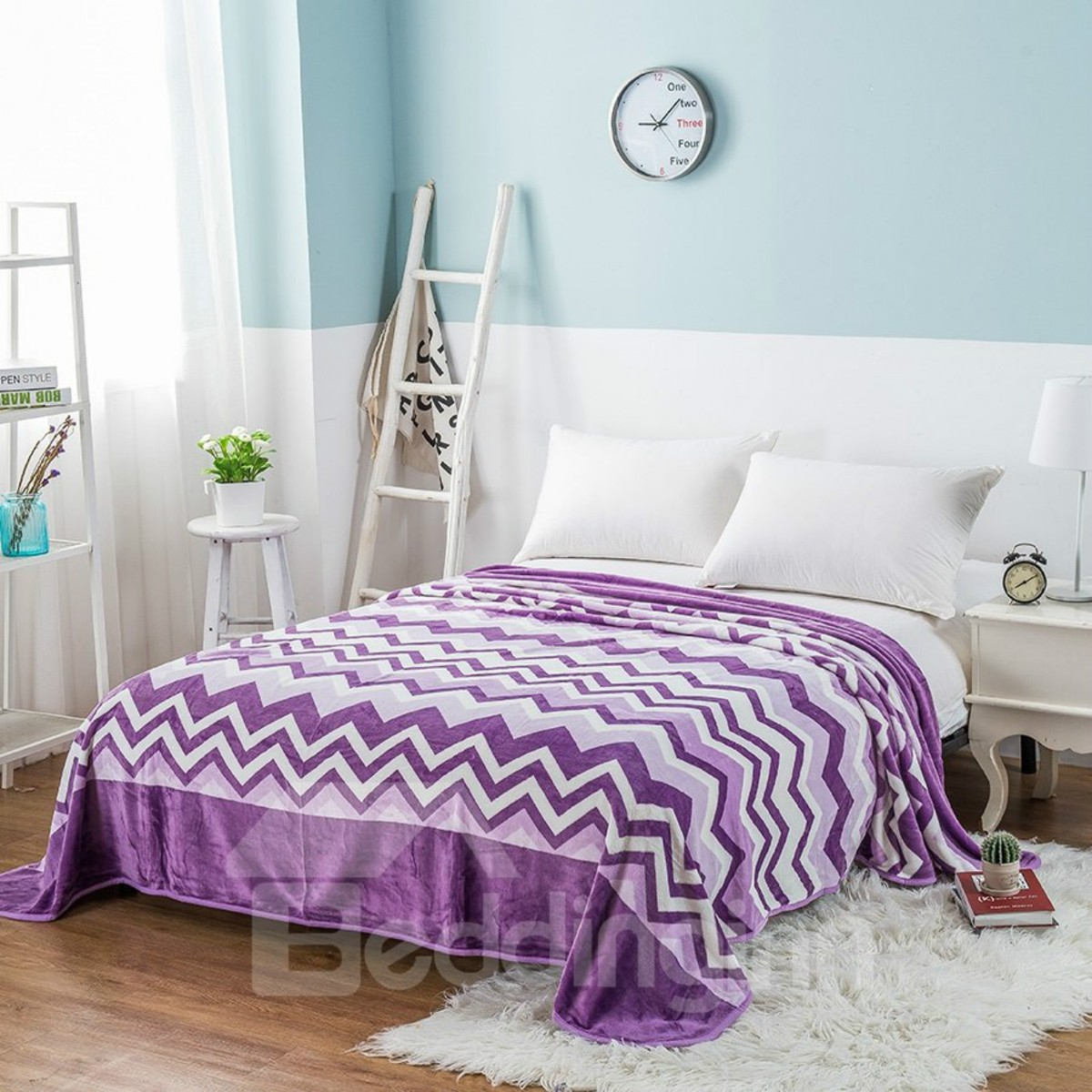 Purple Wavy Stripes Printing Flannel Bed Blanket