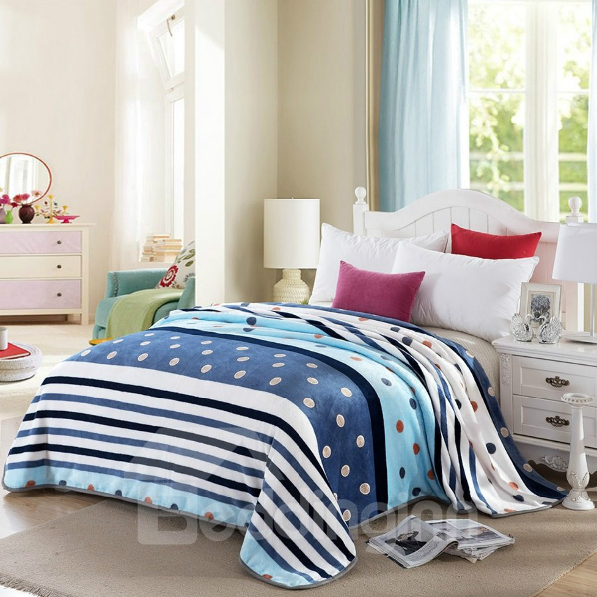 Dots and Stripe Design Flannel Warm Cosy Bed Blanket