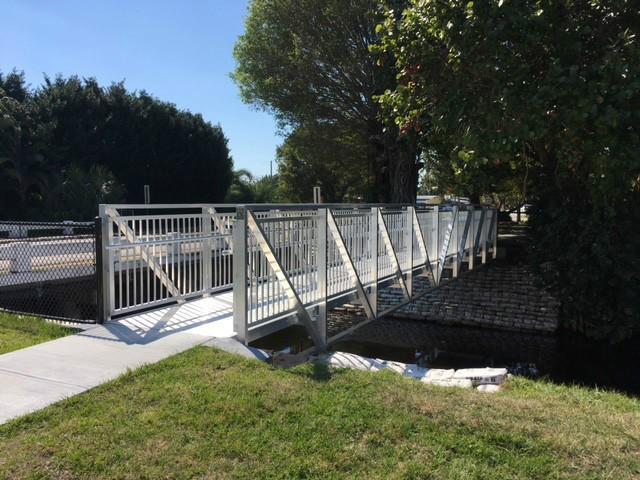 Davis Park Prefabricated Aluminum Pedestrian Bridge