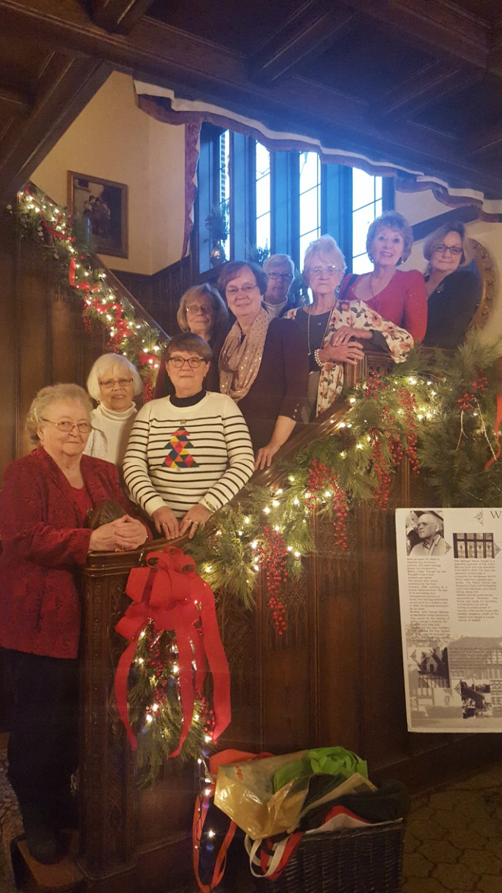 With up to 23 members, the Single Ladies group enjoys food and conversation in various SW Michigan cities. Here they are meeting in South Haven.